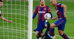 الأرجنتيني لياندرو باريديس، لاعب باريس سان جيرمان، الجدل حول مستقبل مواطنه ليونيل ميسي، قائد برشلونة